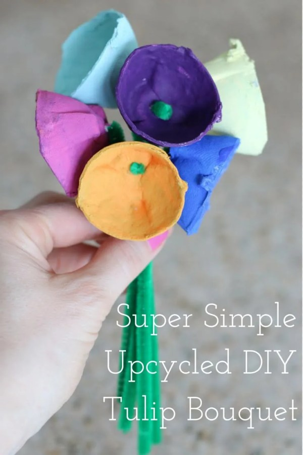 FashionablyEmployed.com | Simple Upcycled DIY Tulip Bouquet | simple kid crafts, upcycled egg carton, family crafts in under 30 minutes | Mother's Day kids handmade gift idea