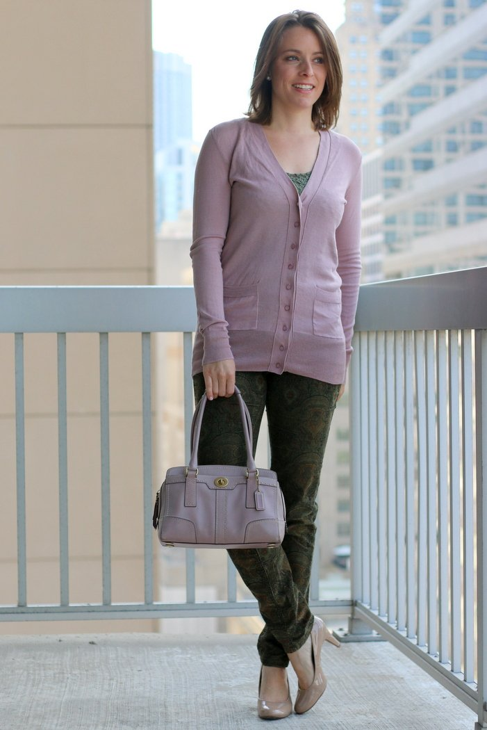 FashionablyEmployed.com | Bluch cardigan, olive pants and nude heels with a blush bag for casual day at the office | Simple and sustainable style for everyday professional women | wear to work, office style, outfit ideas