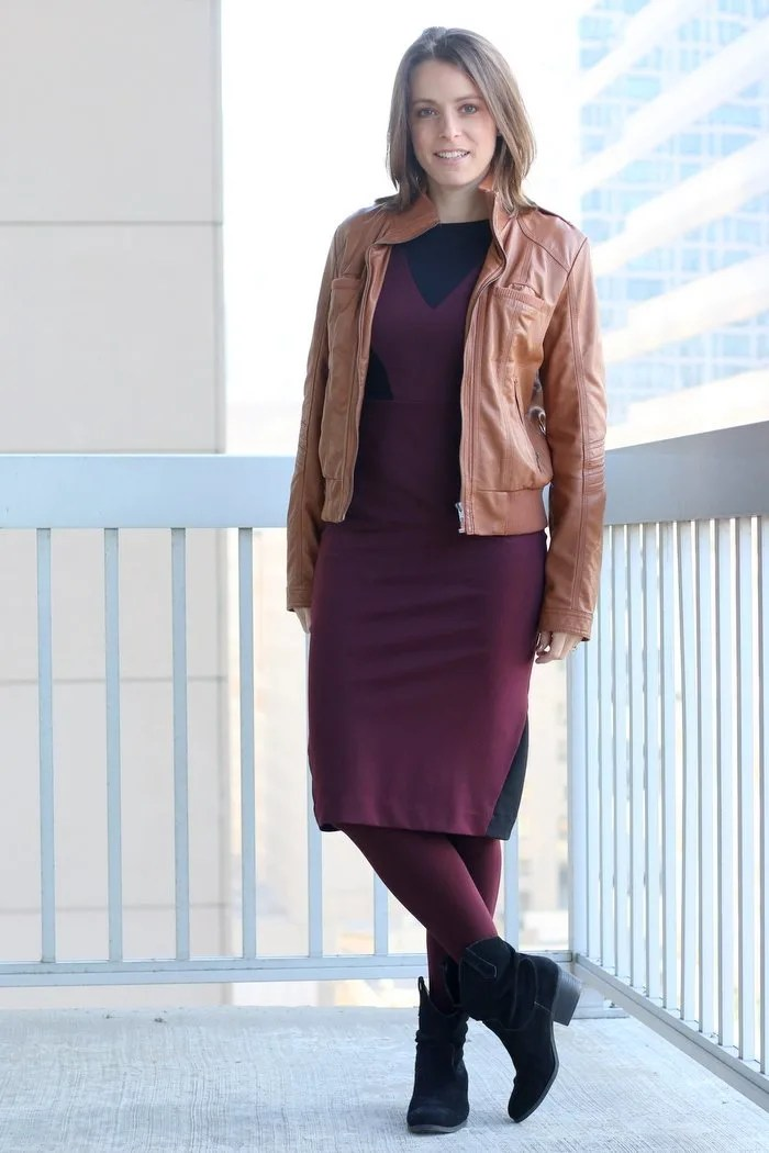 FashionablyEmployed.com | Burgundy and black midi dress with cognac blazer, burgundy tights and black boots | Simple and sustainable style for everyday professional women | wear to work, office style