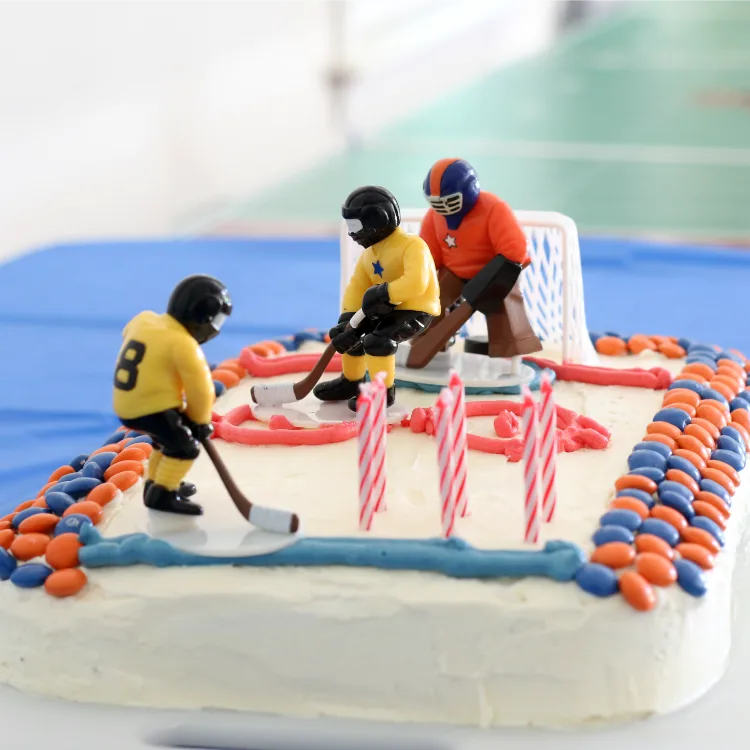 Admirable Easy Tips To Bake A Sports Cake With Kids Funny Birthday Cards Online Alyptdamsfinfo