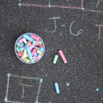 5 Fun Outdoor Sidewalk Chalk Activities for Kids