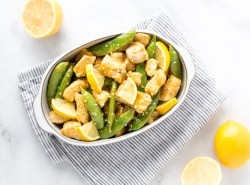 An easily adaptable stir fry recipe that comes together lightning quick making it perfect for a lazy weeknight dinner with plenty of leftovers for lunch!   GF + DF + soy free + no refined sugar   via Honestly Nourished