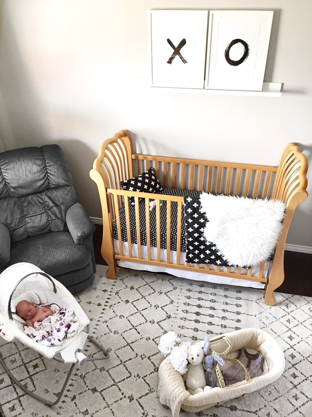 Gender neutral nursery theme: XO, black and white, bright decor