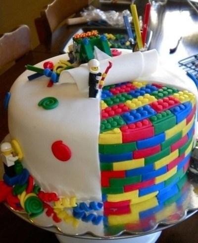 Amazing cakes - LEGO fondant cake