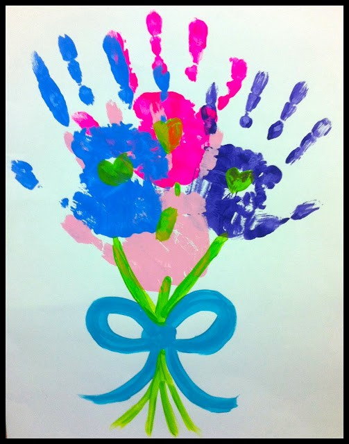 Cute Mother's day gifts to make handprint bouquet