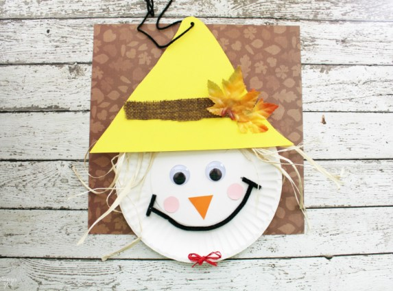 Scarecrow Paper Plate Craft for Fall
