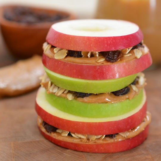 snacks for kids, apple peanut butter sandwiches with raisins