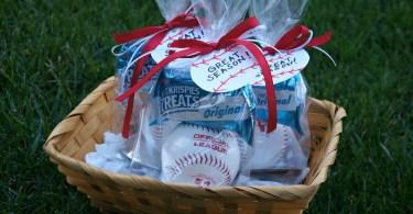 DIY Little League baseball party favors for kids