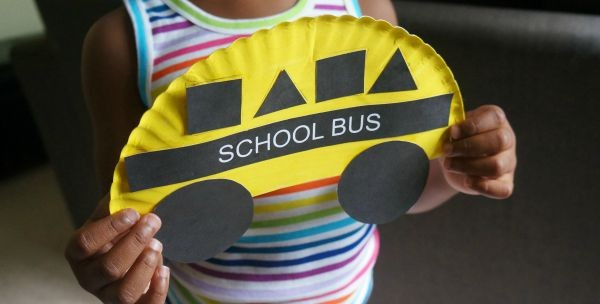 Crafting different things about school can make this transition easier! Here are some of my favorite back-to-school ideas for preschoolers!