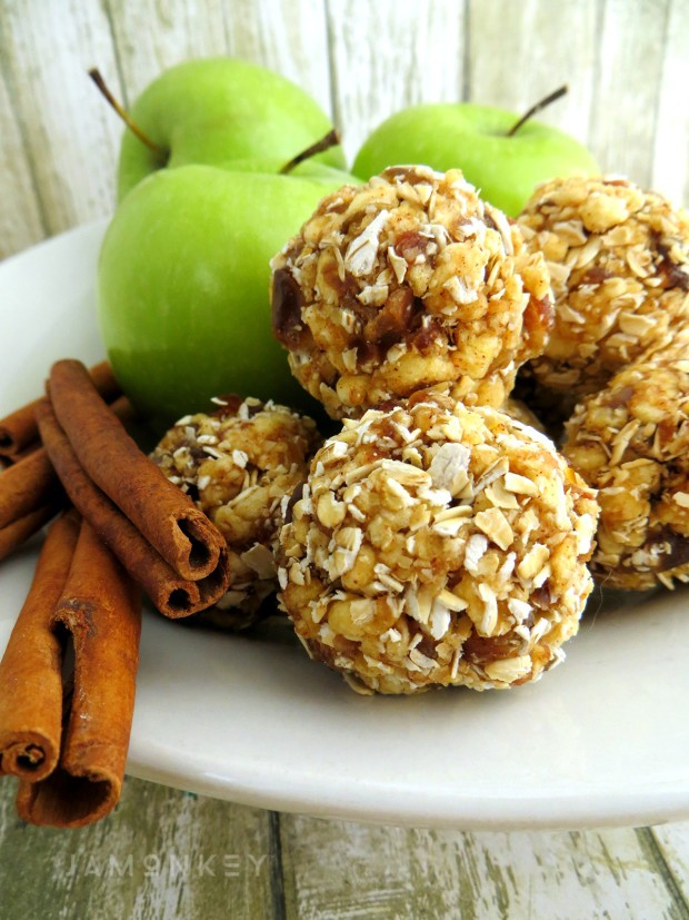 Fall apple desserts - apple cinnamon energy bites, JaMonkey
