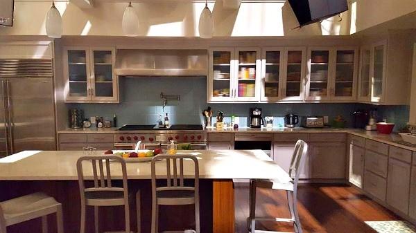 ABC's black-ish tv show set kitchen, Heidi Johnson, The Bragging Mommy