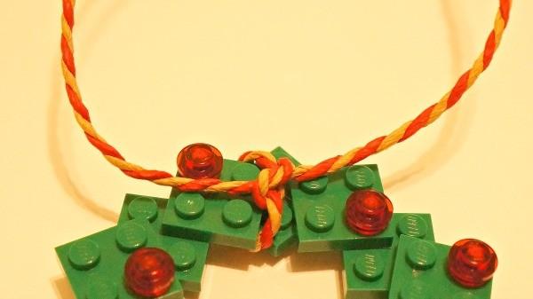 LEGO wreath ornament craft -tying the ribbon