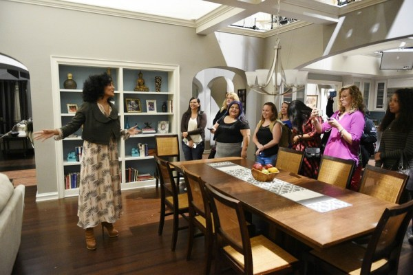 Tracee Ellis Ross gives bloggers a tour of the set of ABC's Blackish