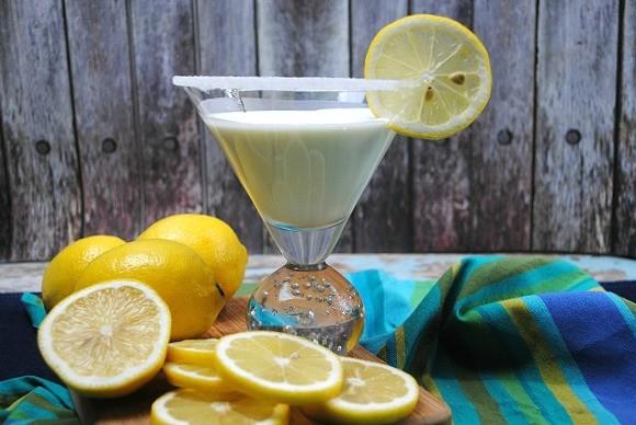 Try this lemon martini recipe, meringue style
