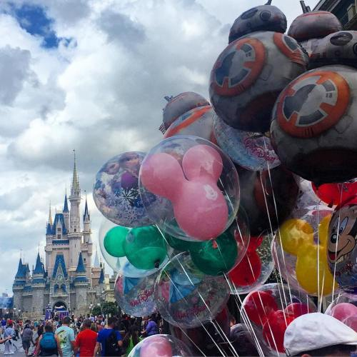 Walt Disney World Magic Kingdom balloons and the Cinderella Castle
