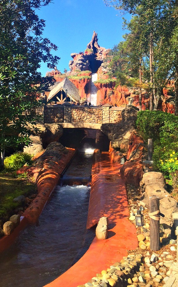 Disney's Magic Kingdom theme park, Splash Mountain drop in Frontierland