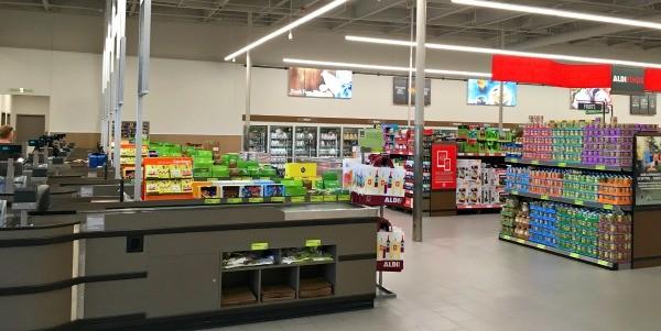 Inside the new ALDI food market in Vista, CA
