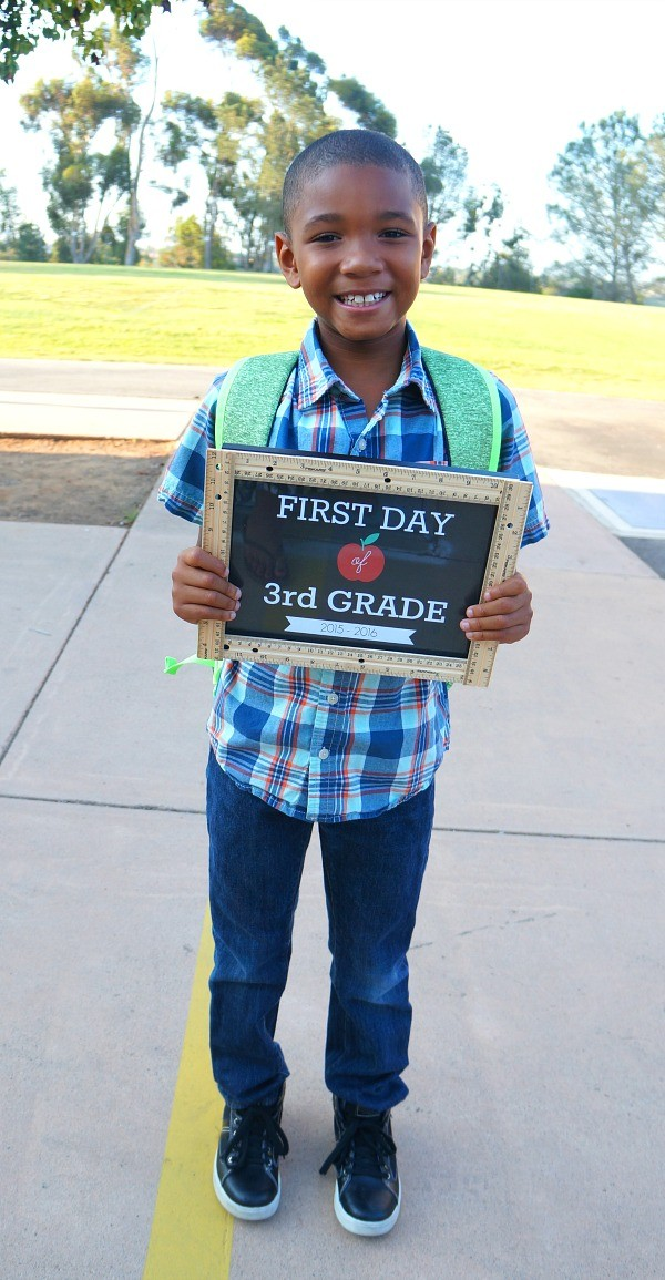 DIY First Day of School Signs Ruler Craft - Pre-K through Grade 12! - free printable first day of school signs