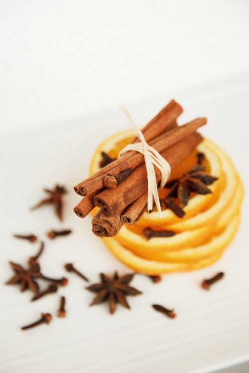 Anise, orange and cinnamon aromatic spice blend