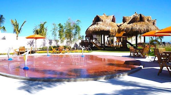 Grand Velas Cabo resort - Kids splash pad pool