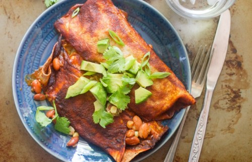 slow-cooker pinto bean enchiladas-oh my veggies