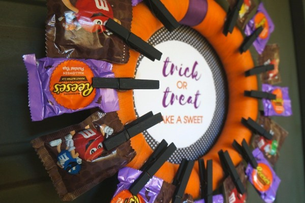 Halloween wreath tutorial - how to make a candy wreath