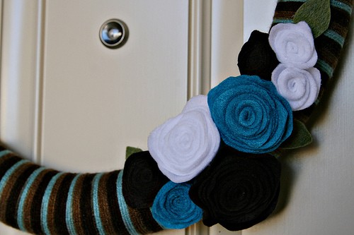 Felt flower yarn wreath