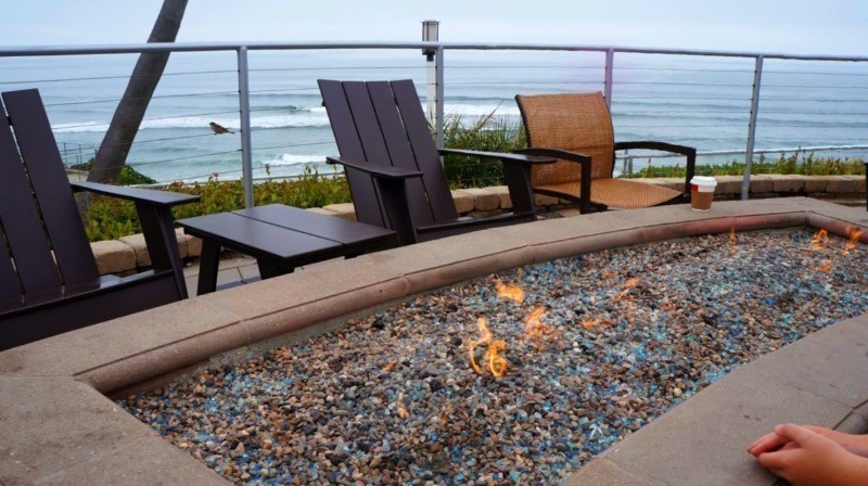 Seacrest Hotel in California's central coast offers ocean view fire pits