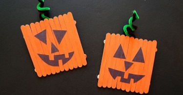 Easy pumpkin crafts for kids - popsicle stick pumpkins jack-o-lantern craft