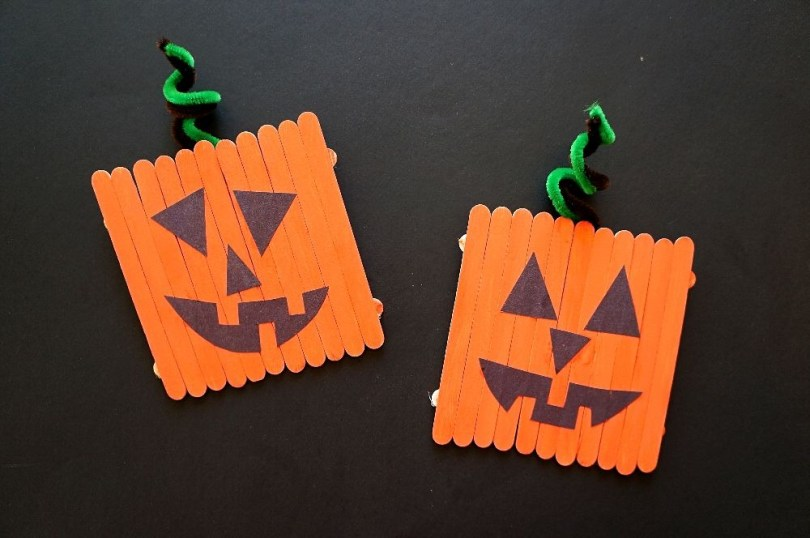 Easy pumpkin crafts for kids - popsicle stick pumpkins jack-o-lantern craft