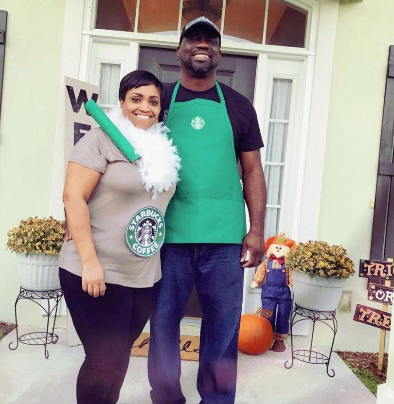 Starbucks Halloween couples costumes