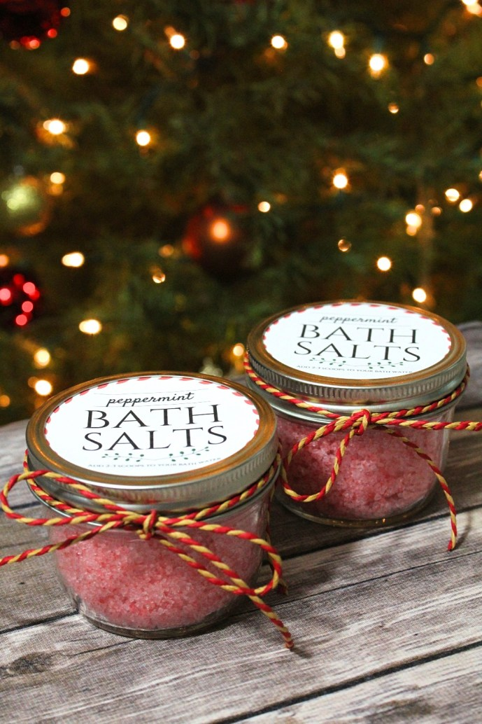 DIY holiday bath salts recipe - peppermint bath soak