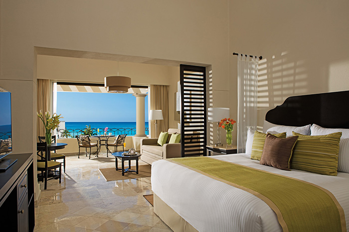 Dreams Los Cabos has gorgeous suites with an ocean view