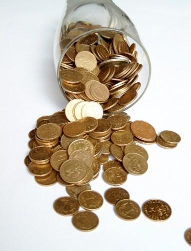 money-1537580-639x837