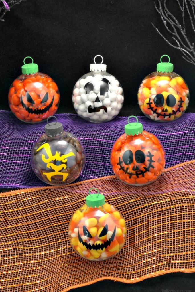 These easy Halloween decorations take 10 minutes or less! Have your home looking spooky in no time!