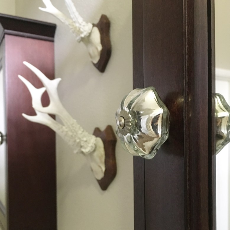 fix-loose-cabinet-knobs
