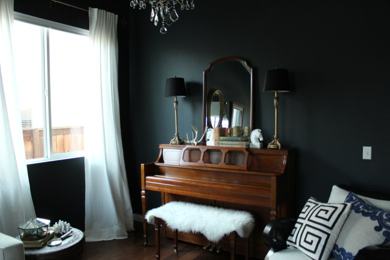 One-Room-Challenge-Glamily-Room