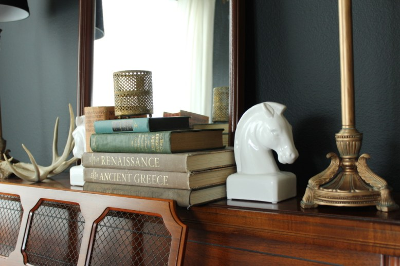 decorating_with-books