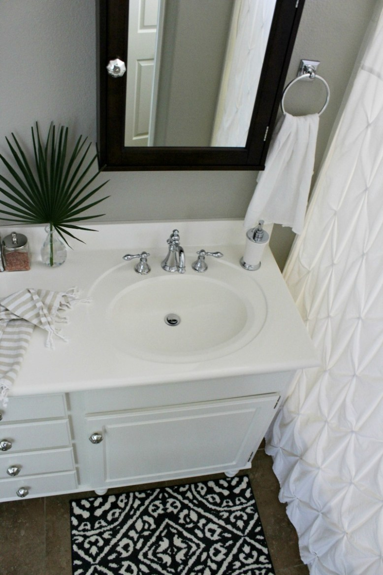 Builder S Grade Bathroom Makeover On A Budget Honey N