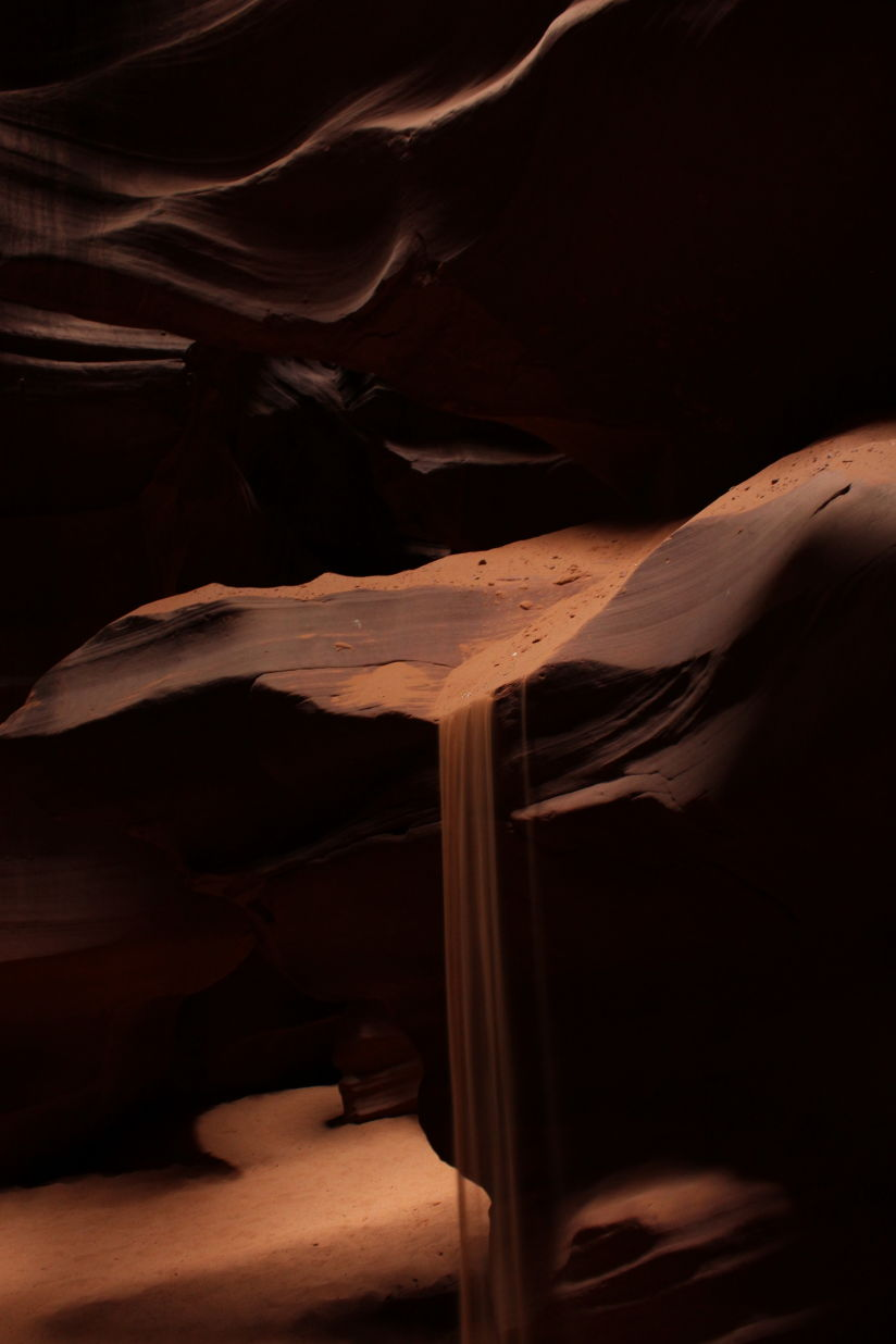 A sand fall in Antelope Canyon
