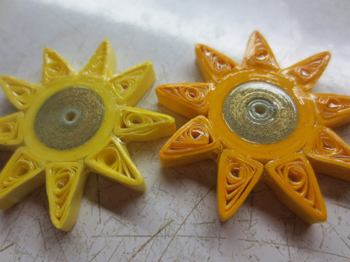 Nine pointed star paper quilled magnets - Honey's Quilling