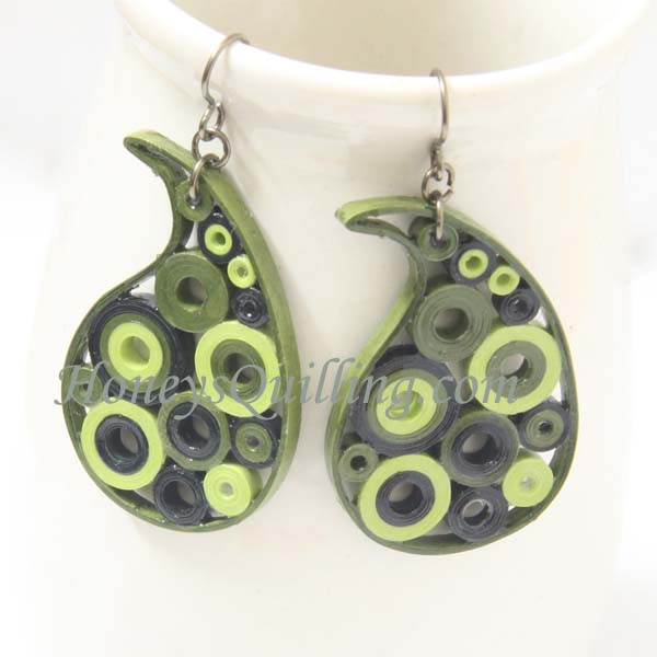 Green paisley paper quilled earrings by Honey's Quilling