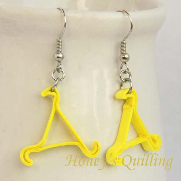 Paper Quilling Triangle Whirl Earrings - Free Tutorial from Honey's Quilling