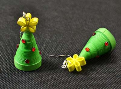 paper quilling christmas tree earrings tutorial