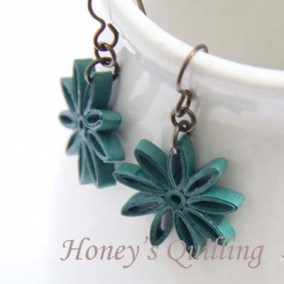 nine pointed star earrings - forest green
