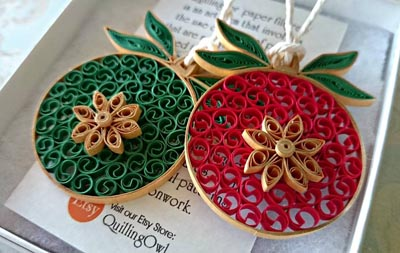 paper quilling Christmas tree ball ornament beehive
