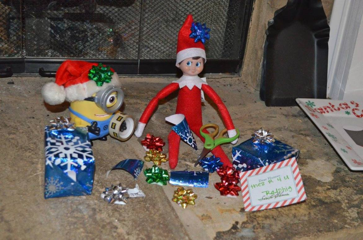 Unique Elf Ideas, creative, Elf on the Shelf, Wrapping Presents