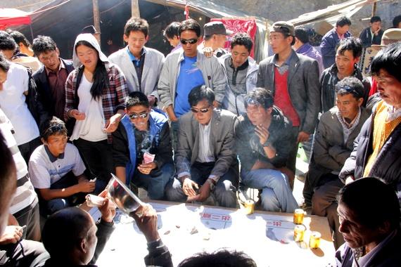 Chinese Gambling in Benzilan China