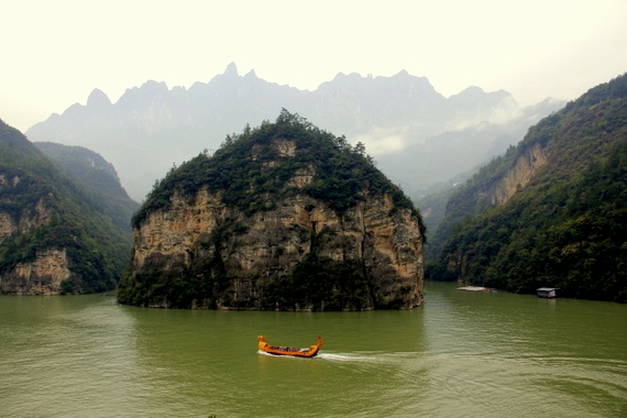 Mist draped over the mountains on Yangtze River