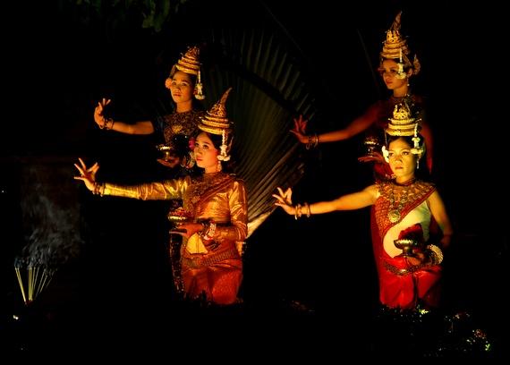 Khmer Aspara dance performance at Sofitel